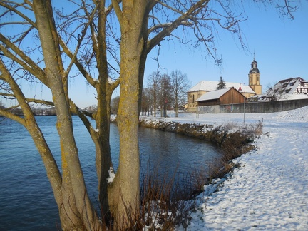 Winter am Neckarstrand